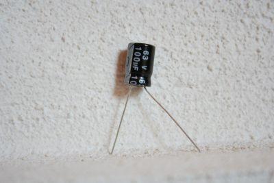 100µF/63V radial