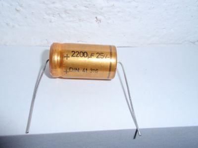 2200µF/25V axial