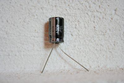 10µF/400V radial