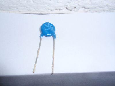 x1 Netzentstörkondensator 3300pF/440V AC